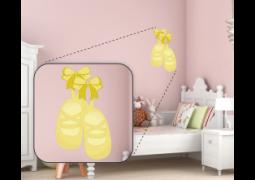 Adesivo de Parede - Bailarina Sapatilha Amarela